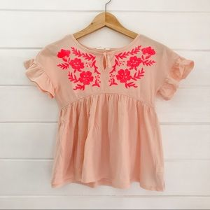 Gap KIDS top with neon pink embroidery